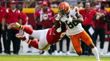 Cleveland Browns Wide Receiver Jarvis Landry Suffered Sprained MCL vs. Houston Texans